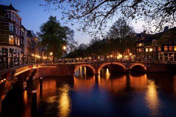 amsterdam-5425124_1920